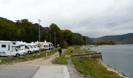 The stellplatz at Bacharach is right by the Rhine
