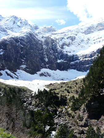 Views from the Cirque de Gavarnie walk