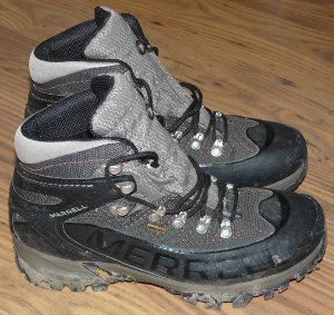 Merrell Outbound Mid GORE-TEX walking boots
