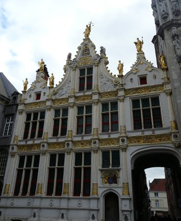 Another historic building in Bruges