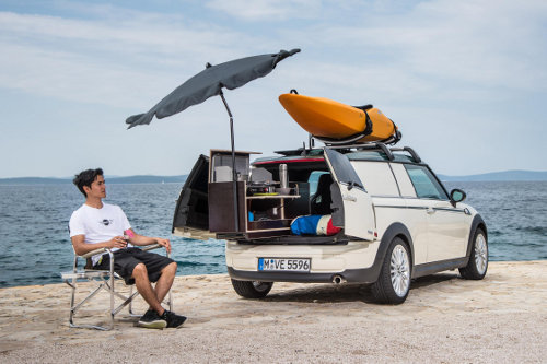 MINI Clubvan camper with kitchen slideout in use