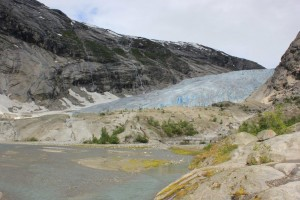 The walking route to the Nigardsbreen glacier
